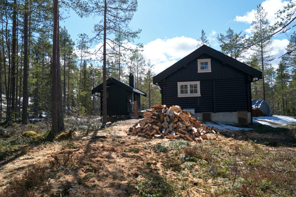Hytte bygget av tømmer. Foto: Glenn Ulrik Halvorsen